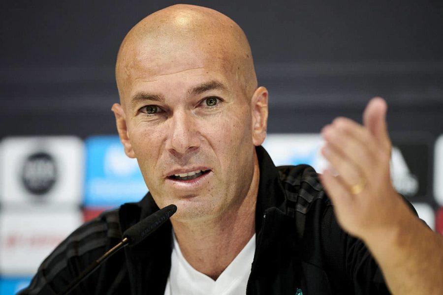 Зидан назвал ложью информацию о том, что покидает 'Реал'