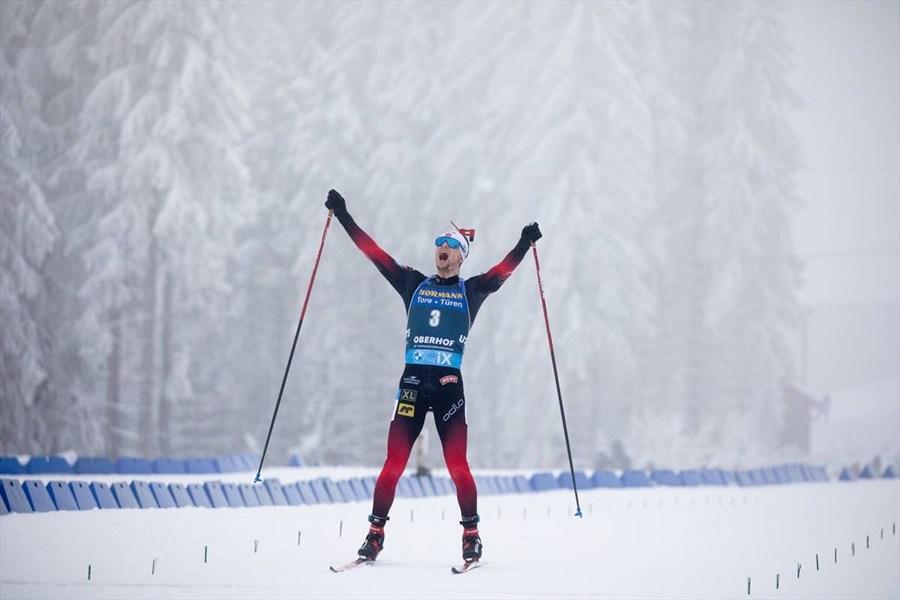 Норвежский биатлонист Легрейд показал новую винтовку. ФОТО