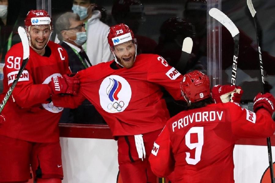 В Риге на площади с флагами-участницами чемпионата мира по хоккею убрали российский флаг (ФОТО)