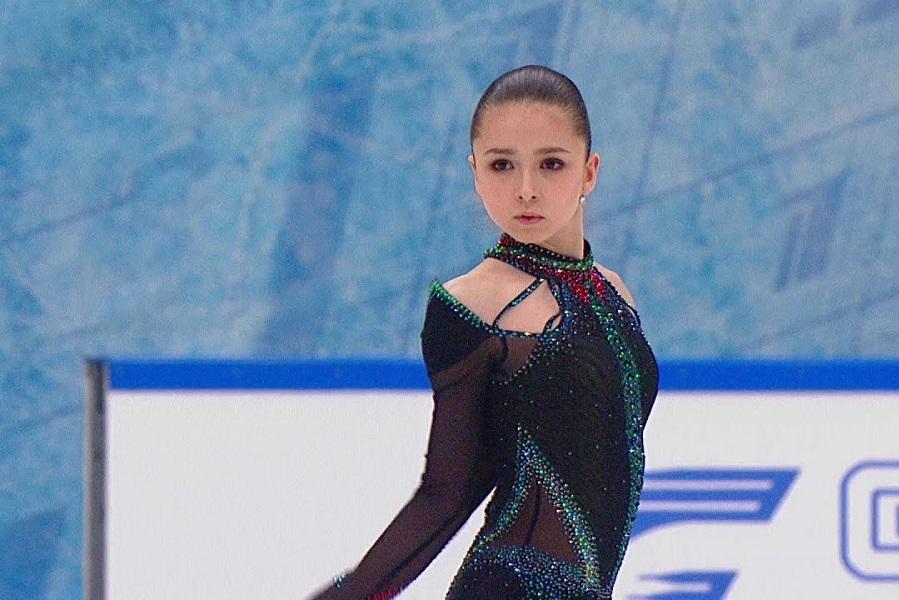 Русские фигуристки могут всё: Валиева исполнила акробатический номер с дельфинами. ВИДЕО