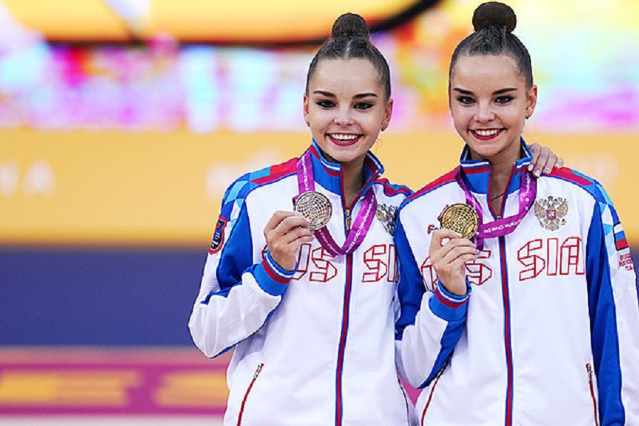 Сёстры Аверины заняли первые места на этапе Гран-при в Италии по художественной гимнастике