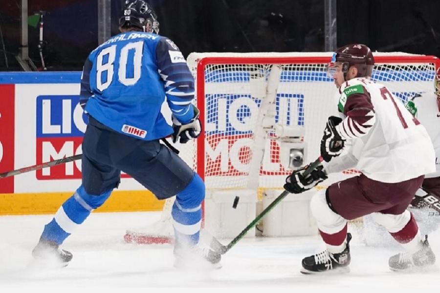 На чемпионате мира по хоккею определились первые участники плей-офф