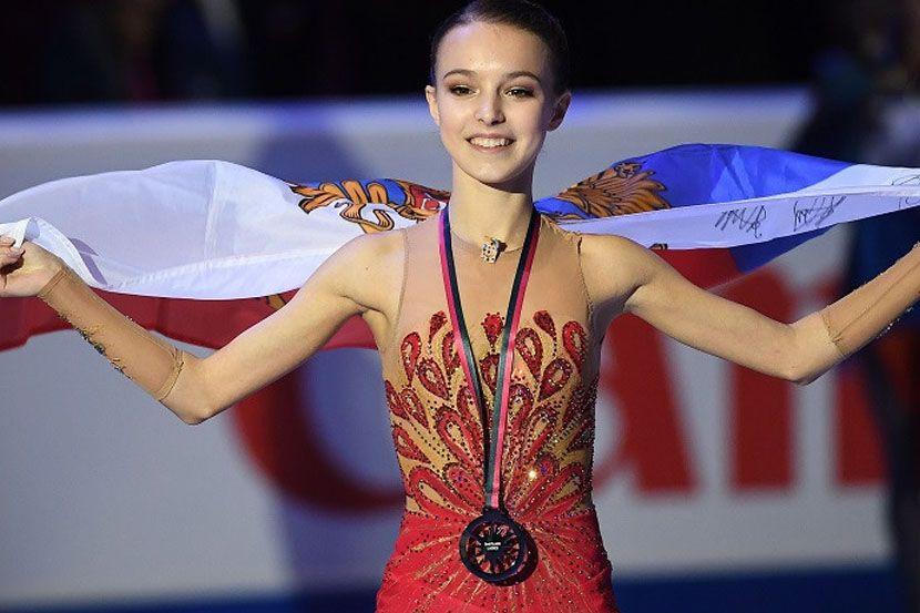 Щербакова показала, какие подарки ей прислали из Китая и Японии. ФОТО
