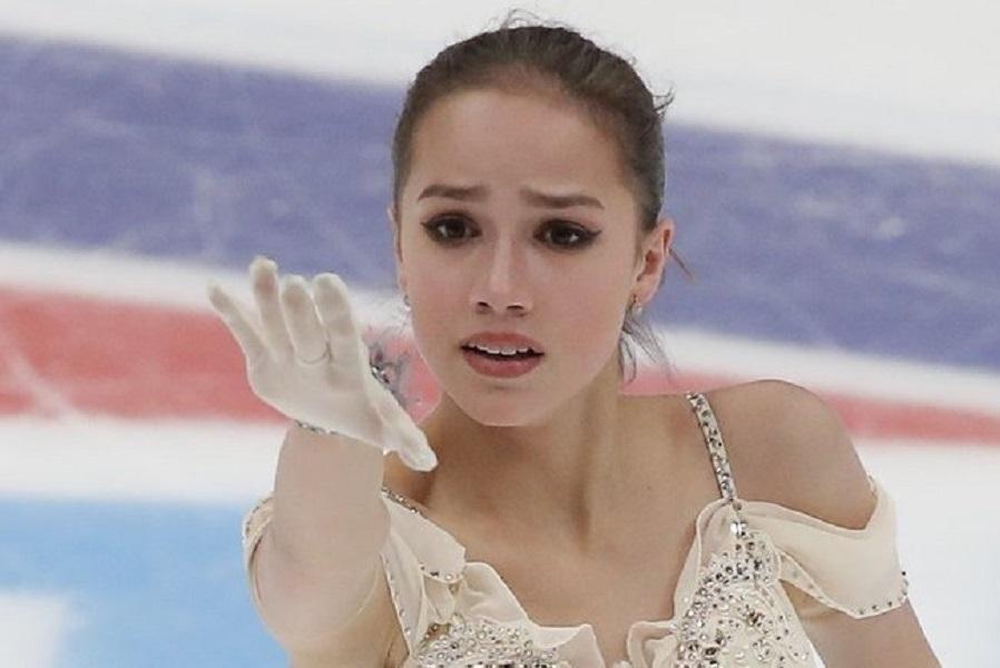 Загитова выступила в Цюрихе в белоснежном платье. ВИДЕО