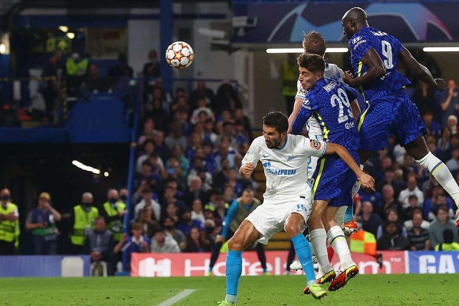 'Зенит' стартовал с поражения в Лиге чемпионов