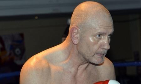 60-летний боксер выступил в бою и установил новый рекорд