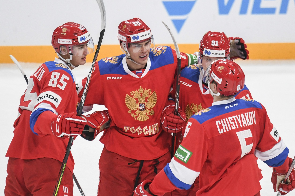 Сборная России по хоккею обыграла команду Финляндии на старте Евротура