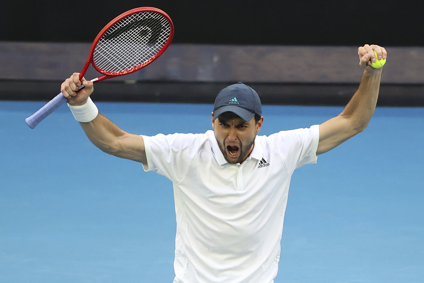 Карацев победил девятую ракетку мира на Australian Open и вышел в 4-й круг
