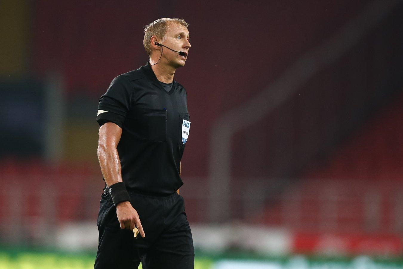 Судья Иванов объяснил, почему удалил Слуцкого в матче с «Зенитом»