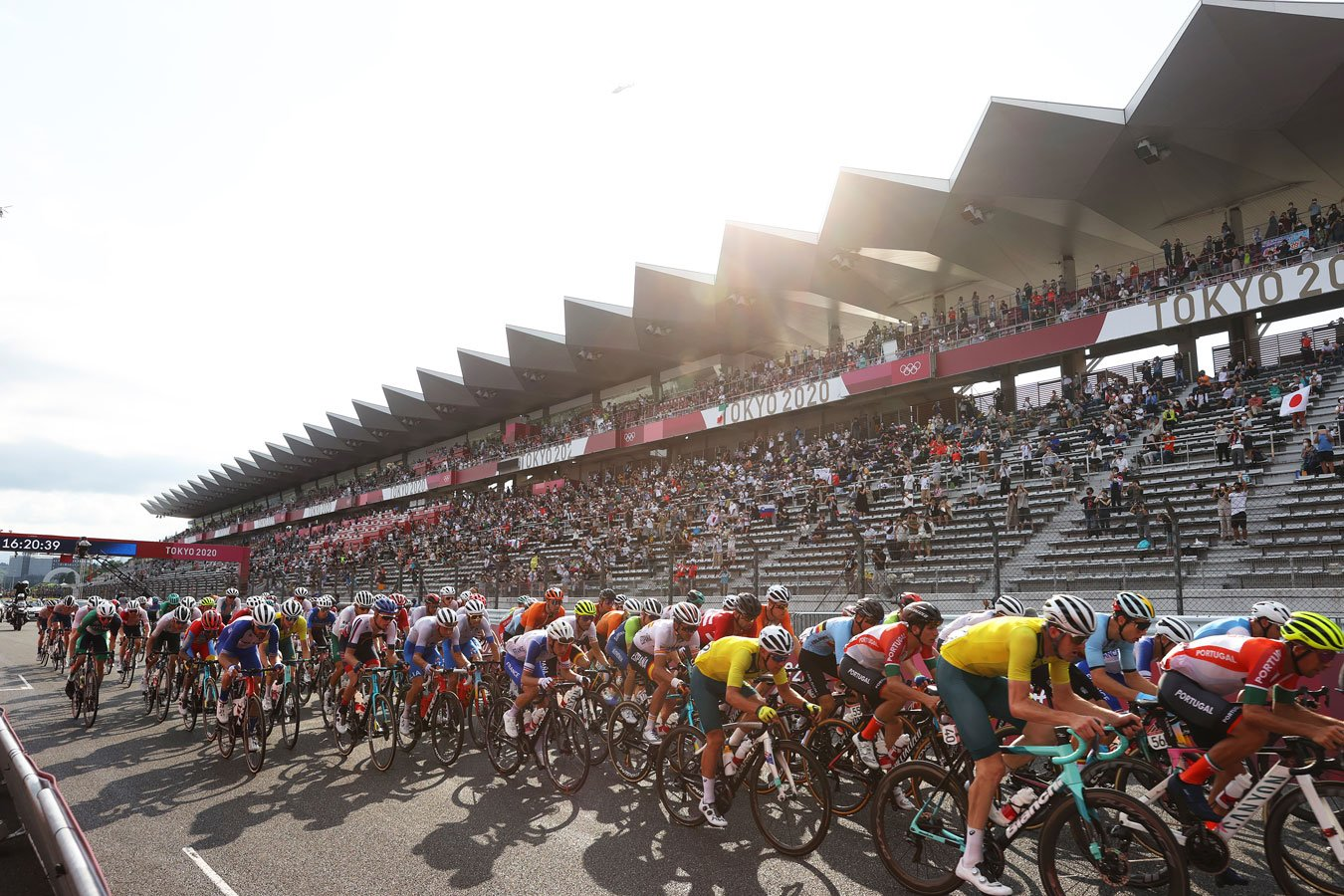 Россияне Власов и Закарин не получили питание во время велогонки на Олимпиаде-2020