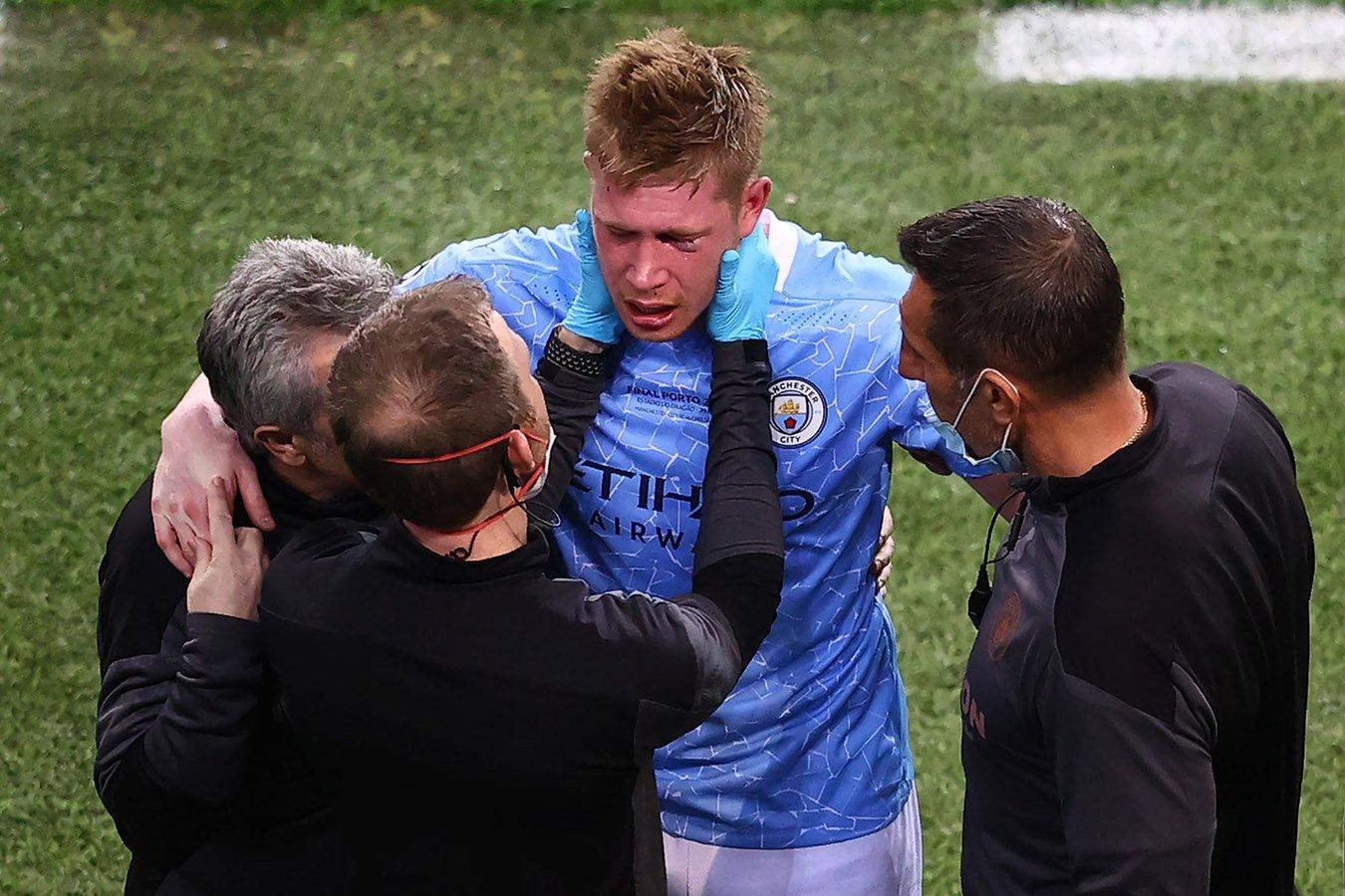 Кевин Де Брёйне получил травму в финале Лиги чемпионов и покинул поле в слезах
