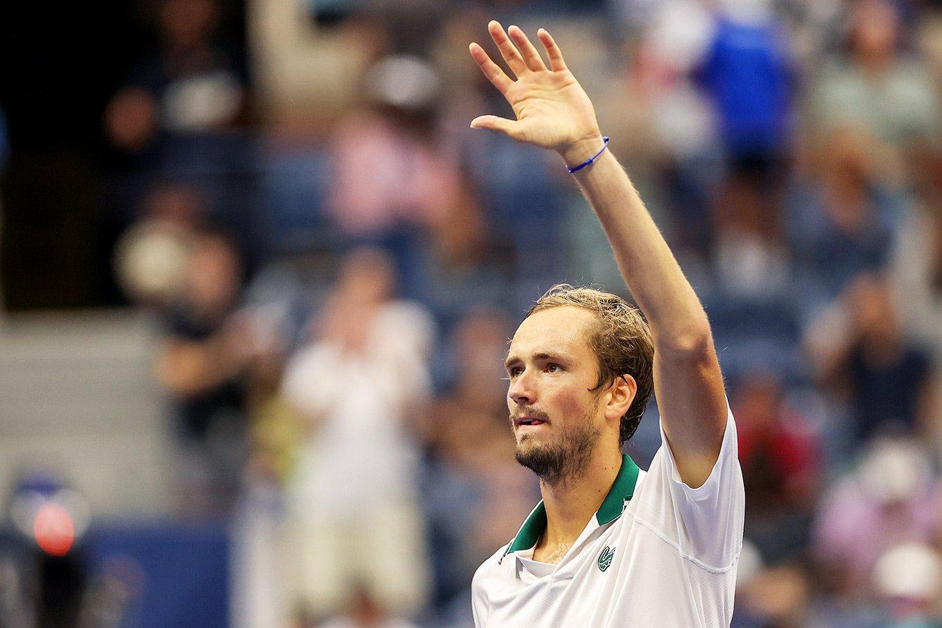 Даниил Медведев получил чек на $ 2,5 млн за победу на US Open