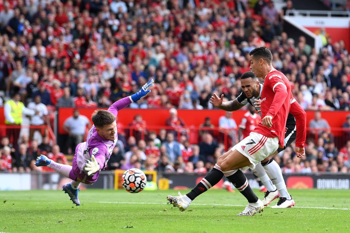 Криштиану Роналду забил в первом же матче после возвращения в «Манчестер Юнайтед»