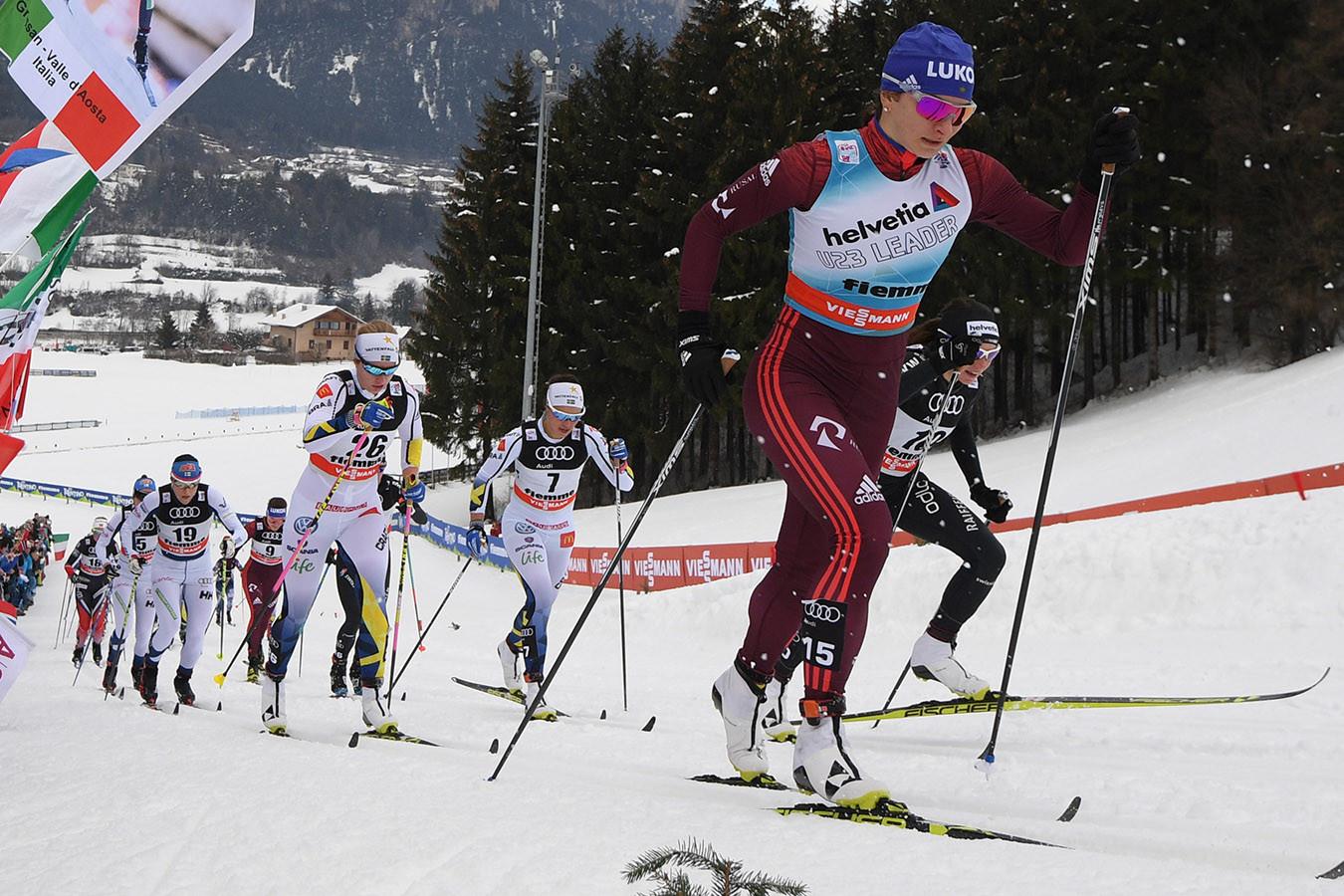 Сумасшедшая борьба российских и швейцарских лыжниц. Видео командного спринта