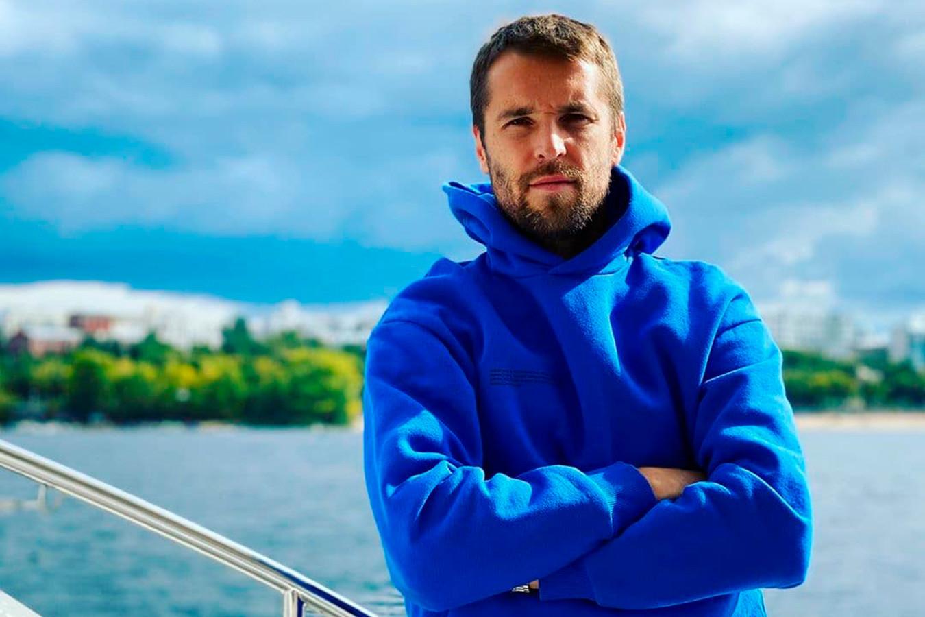 Дмитрий Комбаров прокомментировал видео, на котором он покидает стадион на «Ламборгини»