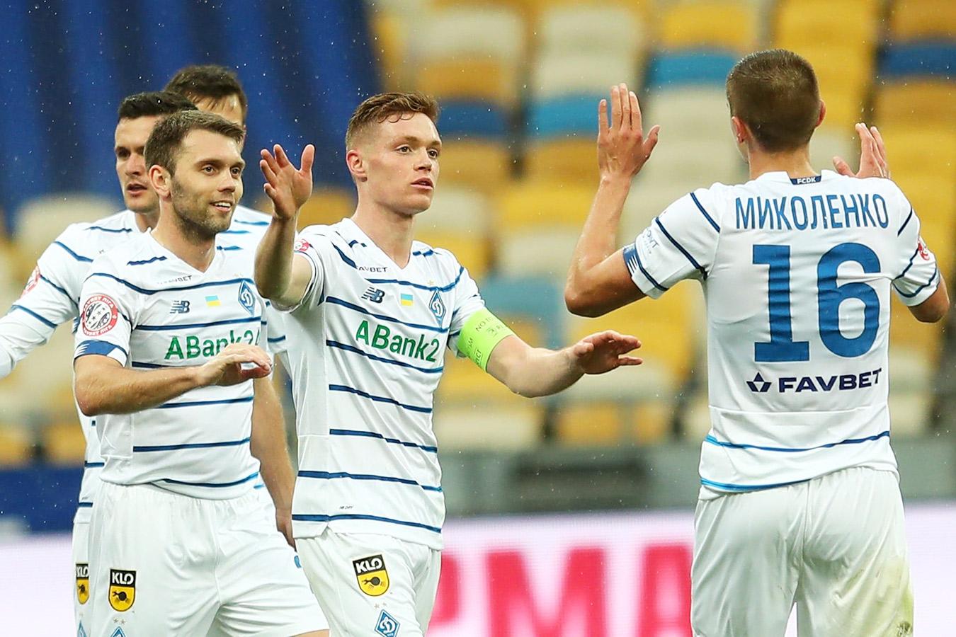 Киевское «Динамо» разгромило «Ингулец» и досрочно стало чемпионом Украины