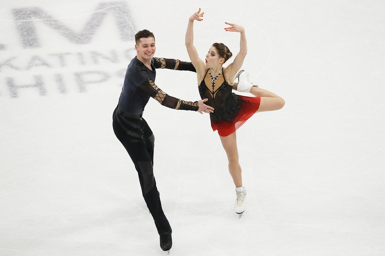 Россияне одержали победу на ЧМ в соревнованиях спортивных пар впервые с 2013 года