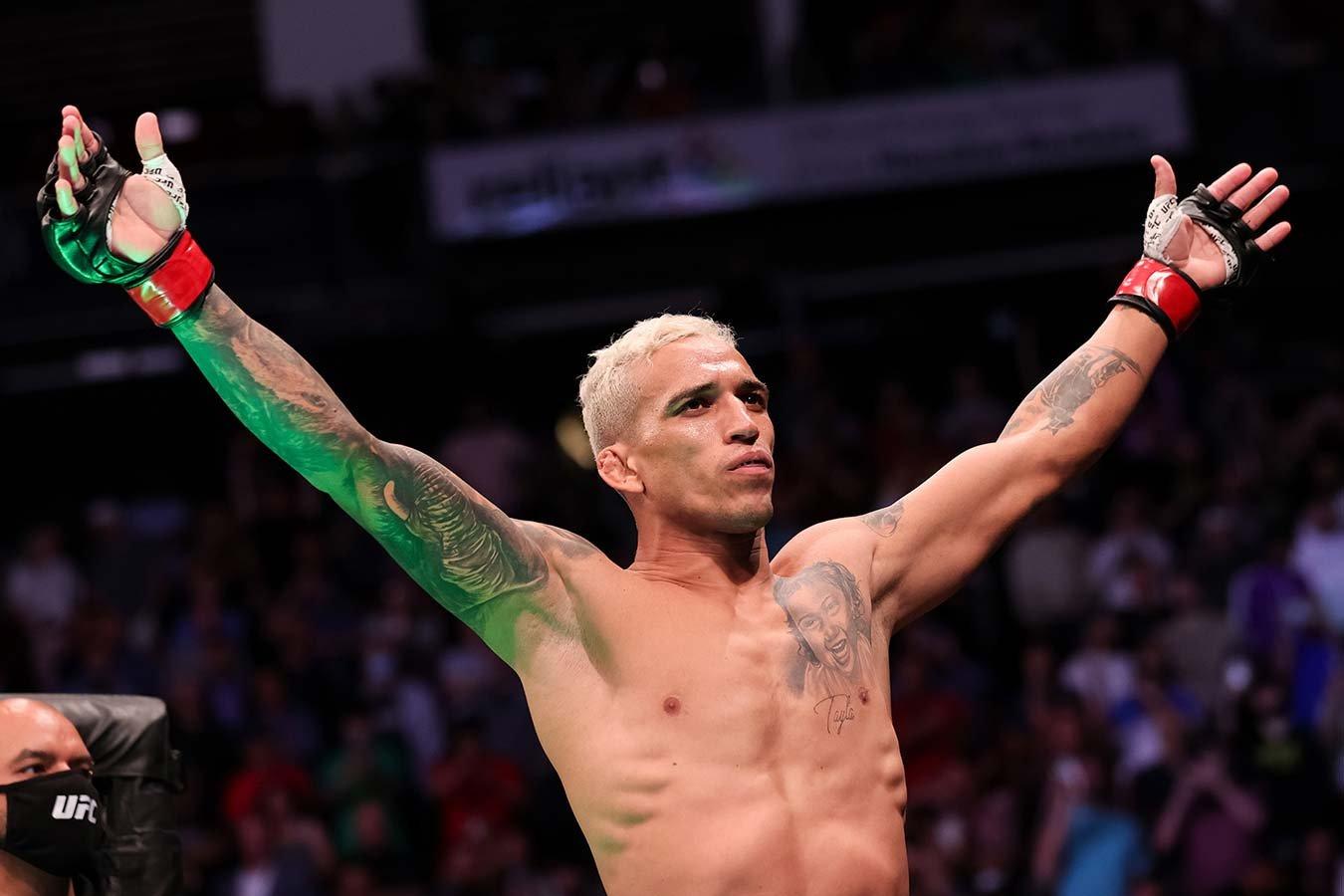 Чемпион UFC Оливейра рассказал о заработках бойцов лиги