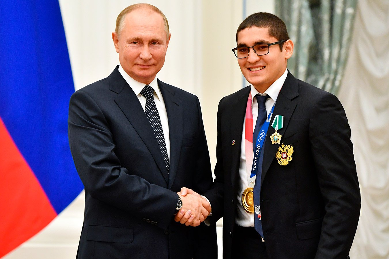 Олимпийский чемпион по боксу Альберт Батыргазиев пригласил Путина на совместную тренировку