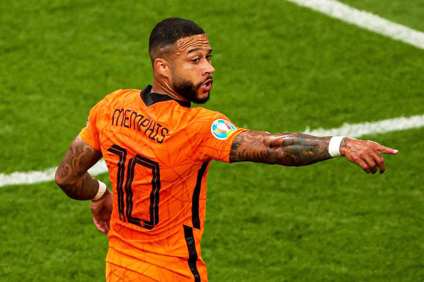 Нидерланды — Чехия: прямой эфир матча 1/8 финала Евро на Первом канале начнётся в 19:00