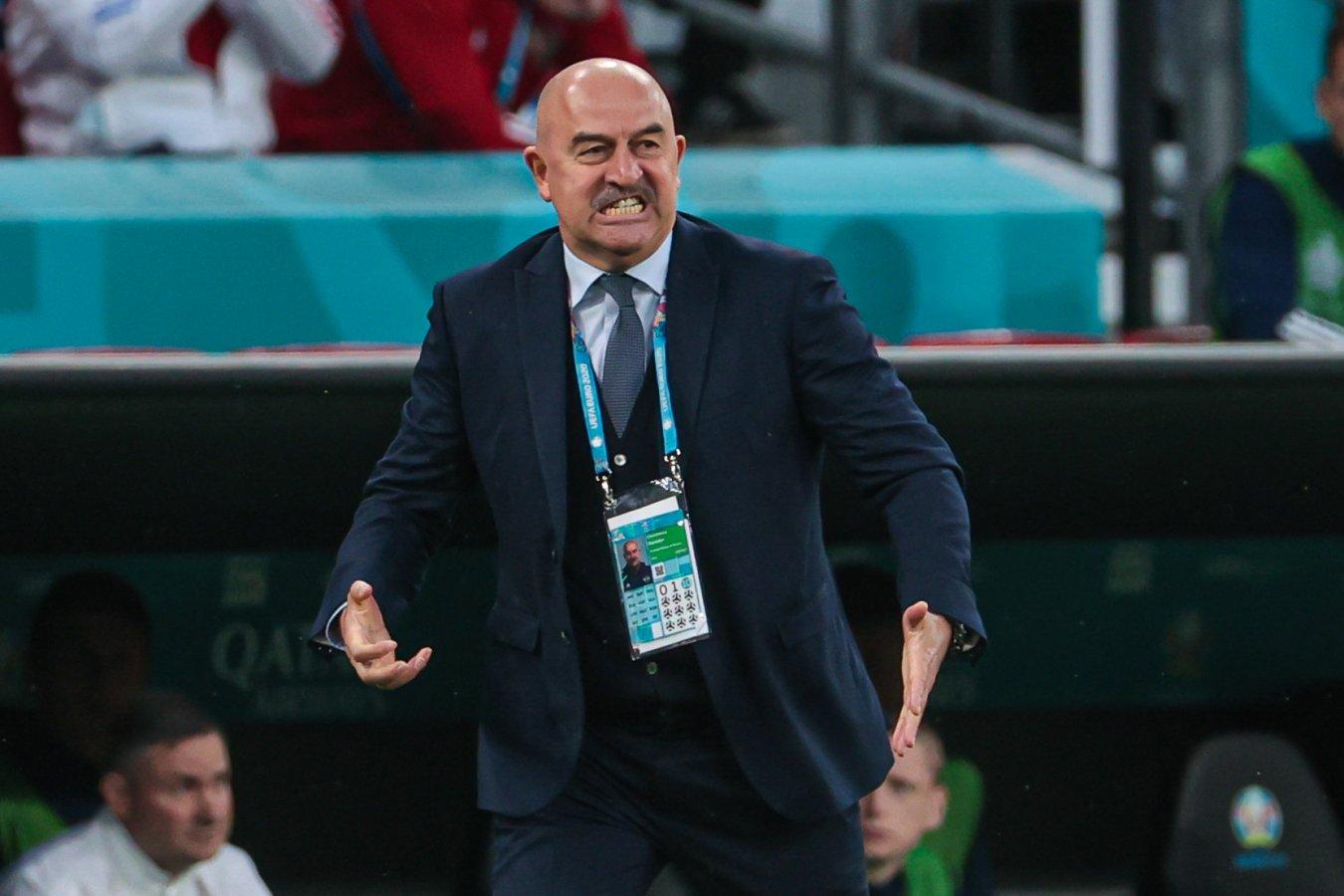 Станислав Черчесов отправлен в отставку с поста главного тренера сборной России