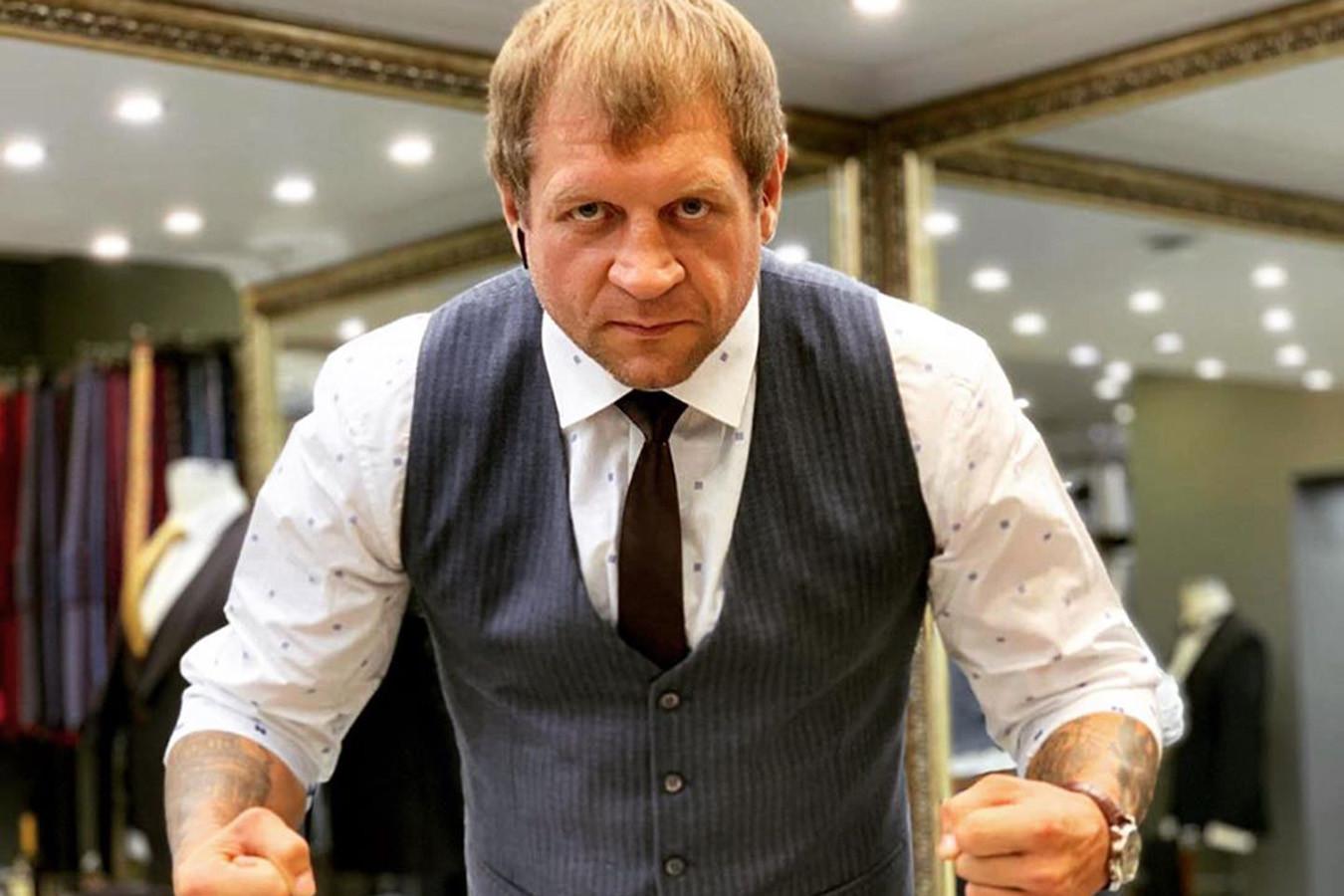 Александр Емельяненко: однажды позвонил Фёдору. У него истерика началась
