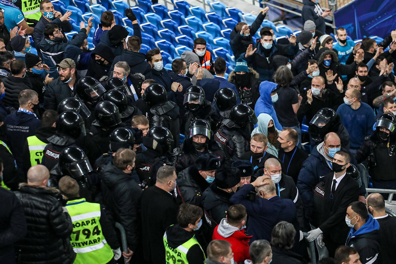 Полиция возбудила уголовное дело после драки фанатов на матче «Зенит» — «Спартак»