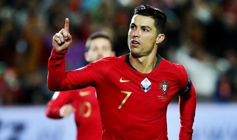 'Мне стыдно за Роналду': португальский агент оценил поступок капитана сборной