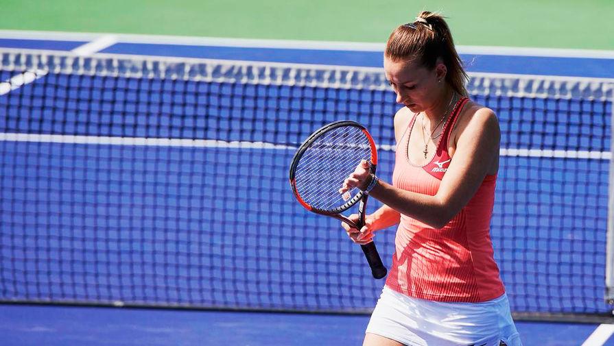 Посольство России в Париже принимает меры по защите прав задержанной теннисистки