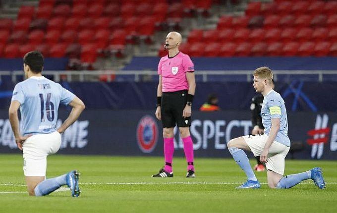 Судья Карасев рассказал, почему не встает на колено перед матчами