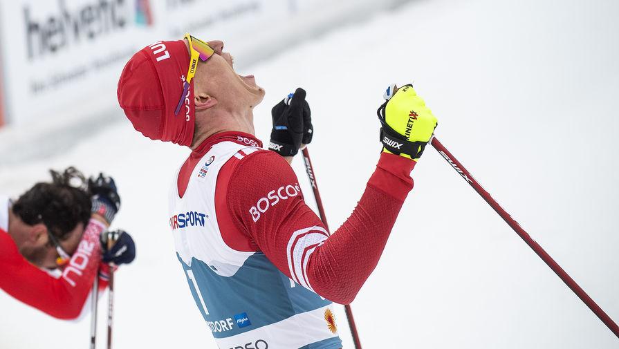 Лыжник Большунов выиграл чемпионат России в скиатлоне