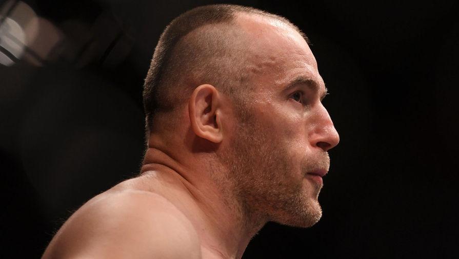 Российский боец Олейник проиграл Спиваку на турнире UFC Fight Night 190