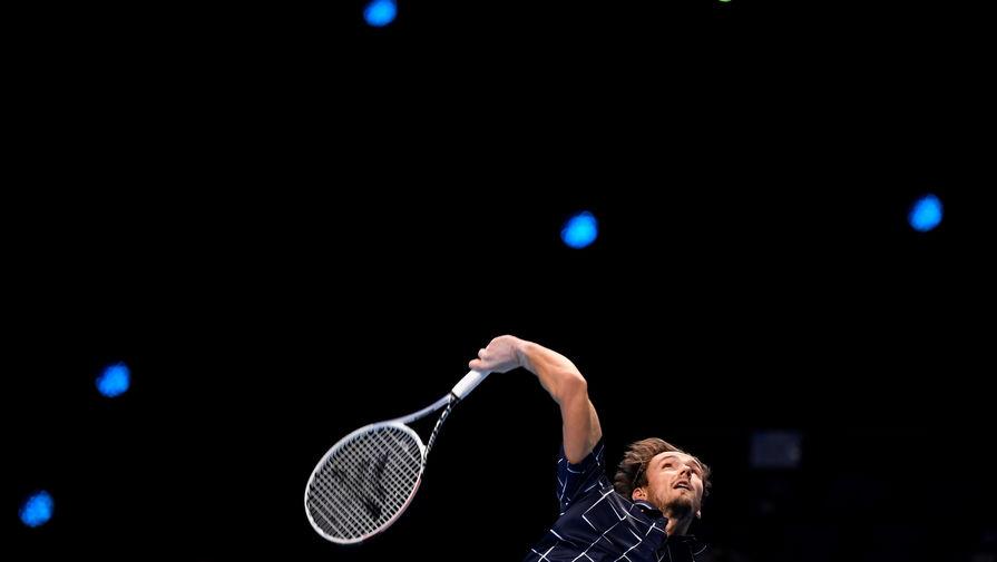 Медведев переиграл Зверева на Итоговом чемпионате ATP