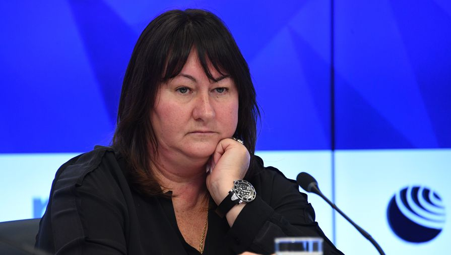 Вяльбе заявила о необходимости ввести запрет на соцсети в сборной России