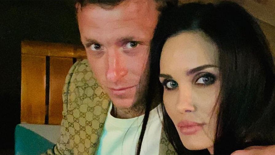 Экс-жена Мамаева обвинила футболиста в попытках отнять у нее дочь