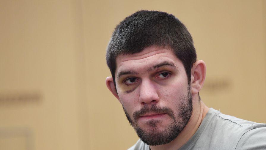 Российский боец Молдавский победил Джонсона и стал временным чемпионом Bellator