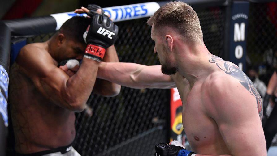 Боец UFC Волков заявил о нежелании выходить в октагон против гея