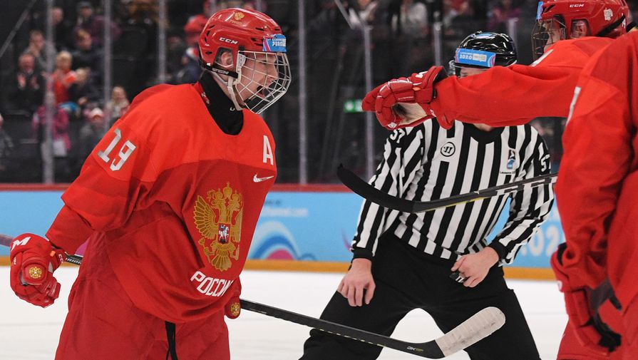 Наставник сборной Чехии высоко оценил игру России после разгрома на ЮЧМ