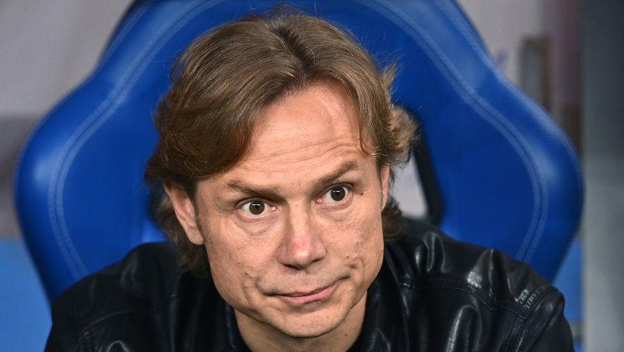 Наставник сборной России Карпин назвал игроков 'Спартака', с которыми он провел беседу