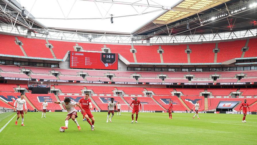 Десяти клубам АПЛ разрешили проводить матчи со зрителями
