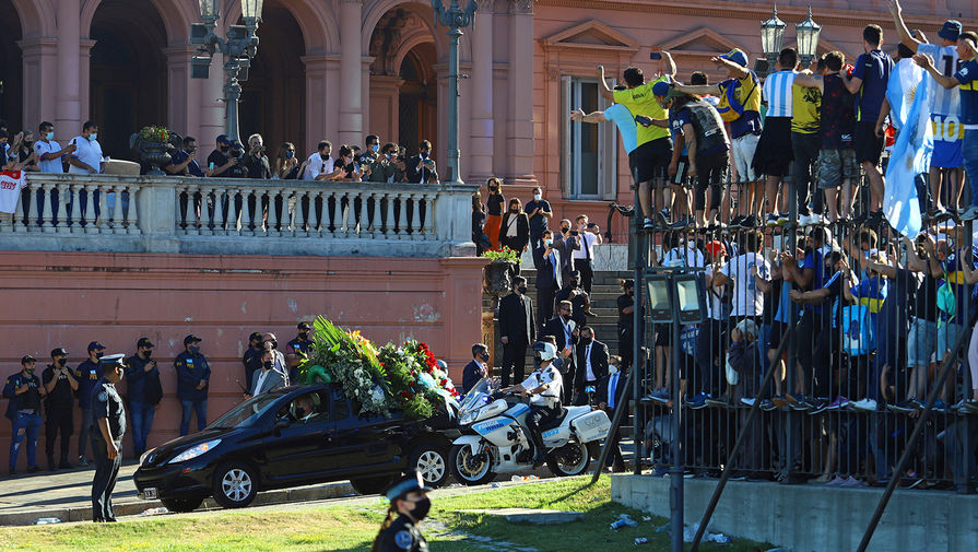 Прокуратура Аргентины восстановила ход событий в день смерти Марадоны