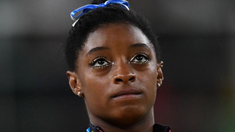 Четырехкратная олимпийская чемпионка Байлз снялась с многоборья
