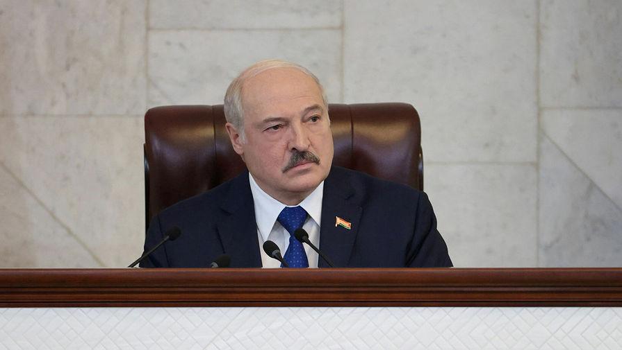 Лукашенко заявил, что латыши не поддержали замену флага Белоруссии на ЧМ
