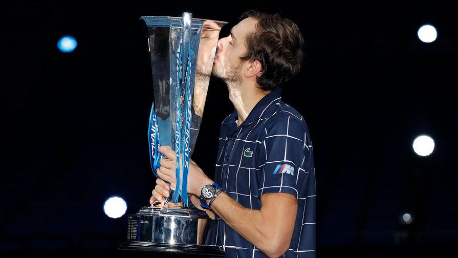Медведев прокомментировал сдержанность тренера в финале Итогового турнира ATP