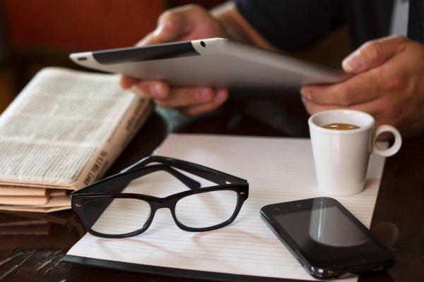 Голос российского бокса затих. Умер комментатор Владимир Гендлин