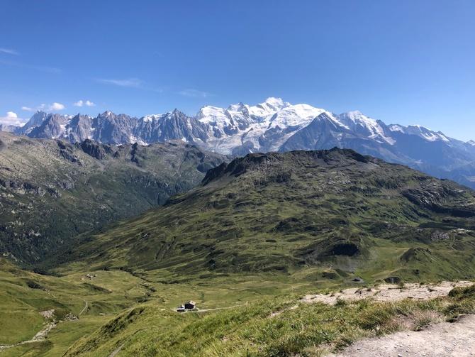 В помощь треккерам в Альпах