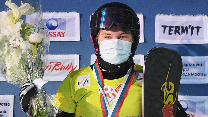 17-летняя Надыршина выиграла серебро ЧМ по сноуборду