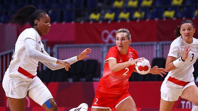Российские гандболистки обыграли Францию и вышли в четвертьфинал Олимпиады