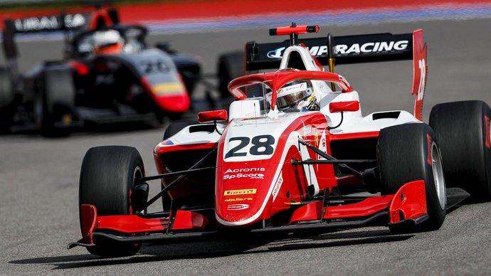 Лоусон выиграл первую гонку сезона «Формулы-2», Шварцман — четвертый