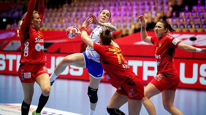Российские гандболистки стартовали в основном раунде ЧЕ с победы над Черногорией